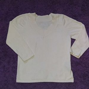 Tailor B. Moss off white women's sweater size M